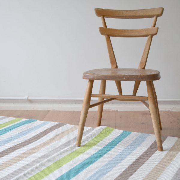 apple striped rug