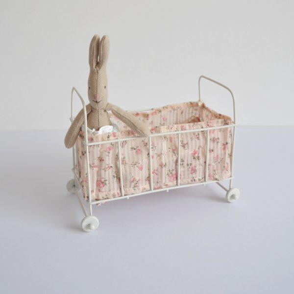 maileg-cot-and-baby-rabbit
