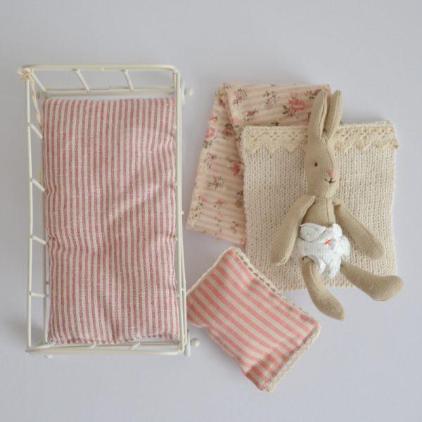 maileg-rabbit-and-cradle