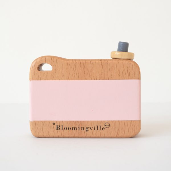 bloomingville-camera-pink-back